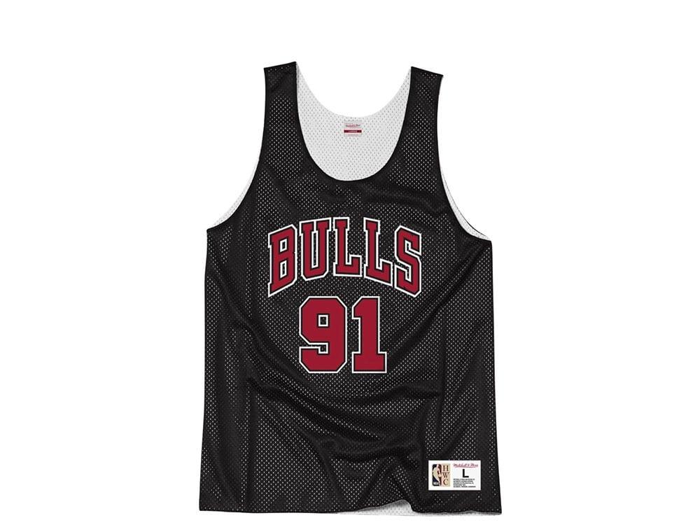buy popular b9114 927c5 Mitchell & Ness Chicago Bulls Dennis Rodman Reversible Mesh Jersey