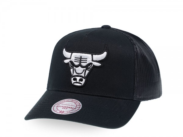 Mitchell & Ness Chicago Bulls Black and White Trucker Cap