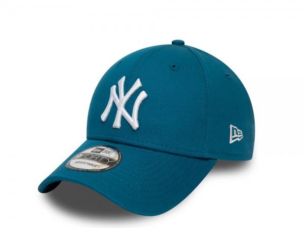 New Era New York Yankees Blue Essential 9Forty Strapback Cap