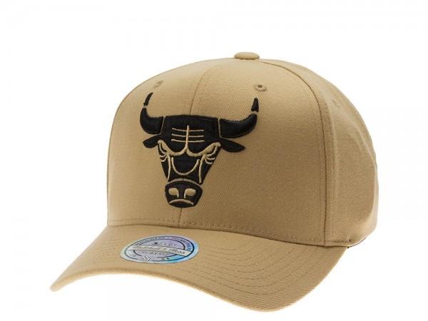 Mitchell & Ness Chicago Bulls Tan 110 Flex Snapback Cap