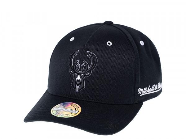 Mitchell & Ness Milwaukee Bucks White & Black 110 Flexfit Snapback Cap