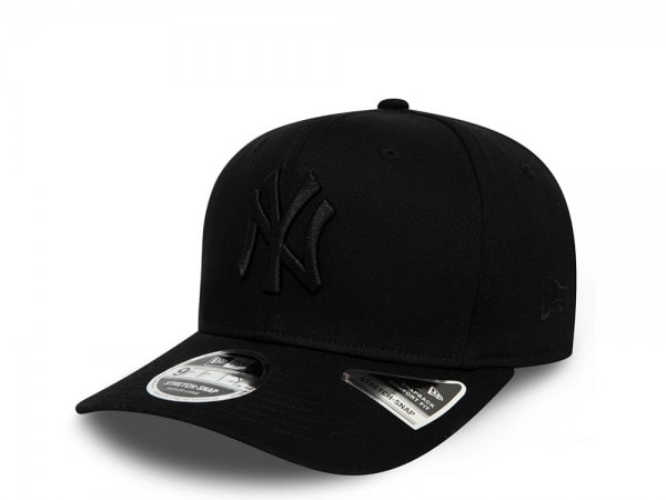 New Era New York Yankees Black on Black 9Fifty Stretch Snapback Cap